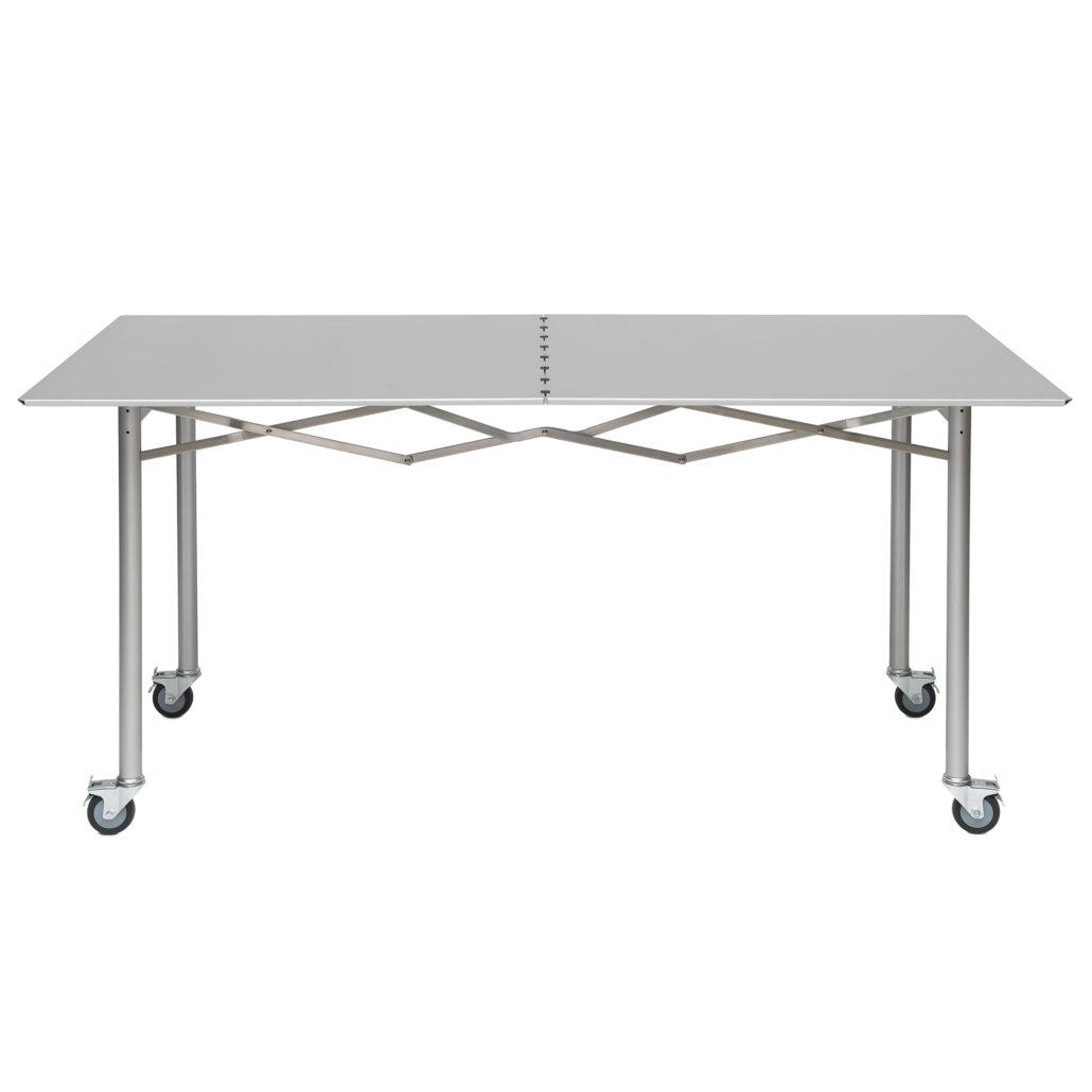 Der Tisch Ist In Diversen Grössen Und In Spezialhöhen Erhältlich. Er Kann  Zusätzlich Mit Zeitschriftenhalter, Materialschale Und Schutzhülle  Ausgestattet ...